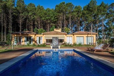 Espectacular Casa En Laguna Del Diario - Punta Del Este