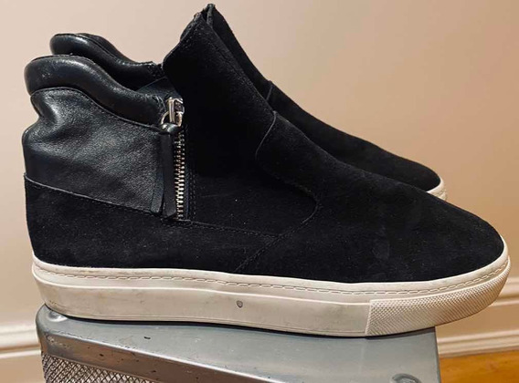 Zapatillas Negras Tipo Botita - Un Solo Uso