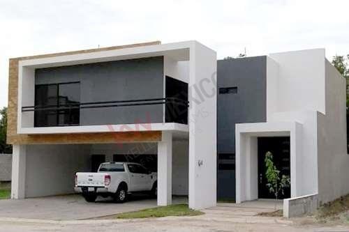 Casa En Venta, Con Recámara En Planta Baja, En Las Trojes