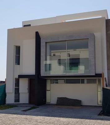 Casa En Venta En Lago Norte En Solares, Zapopan