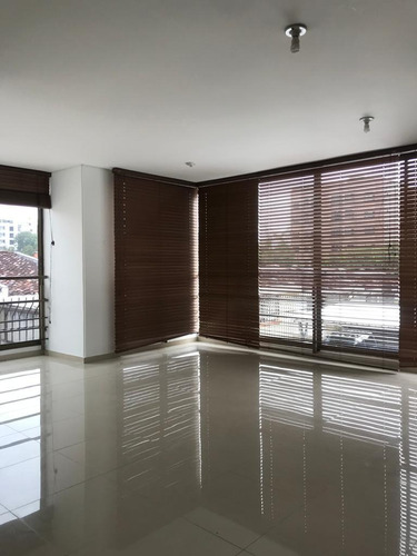 Imagen 1 de 10 de Venta Apartamento En Álamos Pereira