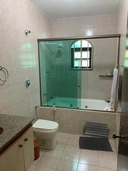 3.000 M², Em Condomínio, 03 Dormitórios 01 Suíte, Piscina !!