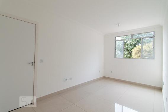 Apartamento No 2º Andar Com 2 Dormitórios E 1 Garagem - Id: 892950225 - 250225