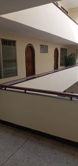Habitaciones En Alquiler Edificio Monte Cristo 0414 3751496