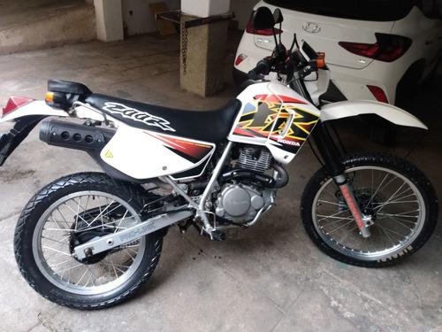 Imagem 1 de 3 de Honda Xr 200 R