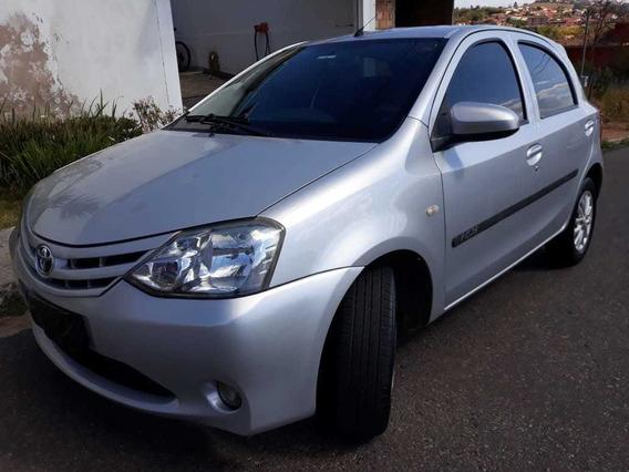 Toyota Etios X 1.3 - 2013/14