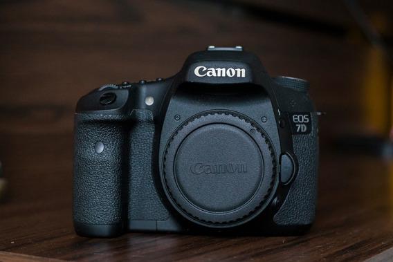Canon Eos 7d + Lente 18-55mm + Carregador + Bateria