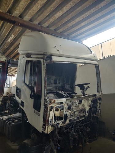 Cabine Iveco Cursor 330 Ano 2010