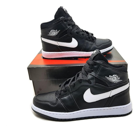 Tênis Cano Alto Air Jordan 1 Chicago Retrô High Black Friday