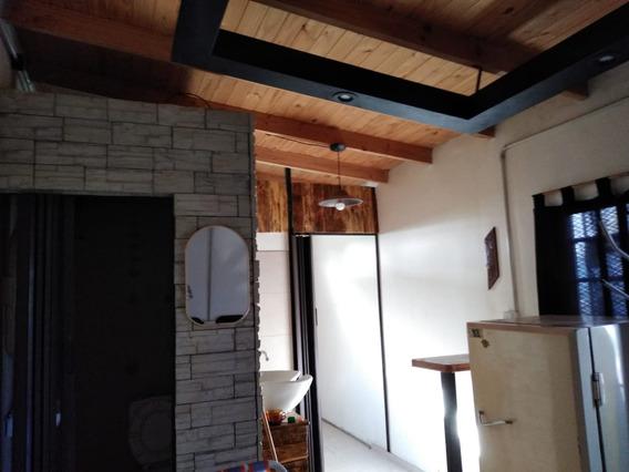 Casa En Venta En Virrey Del Pino Oportunidad!!! 21 Mts Cuad.