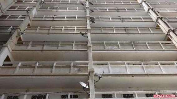 Dioselyn G Apartamentos En Venta #19-12775