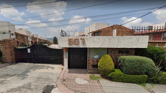 Casa En Venta En Col. Científicos, Toluca (larlaaa)