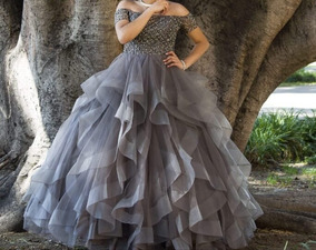 08545e711 Lindo Vestido De Xv Años Talla S Color Gris plata Tiara