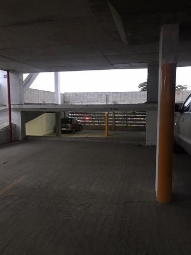 Se Vende Cochera A Estrenar En Centro De Quilmes