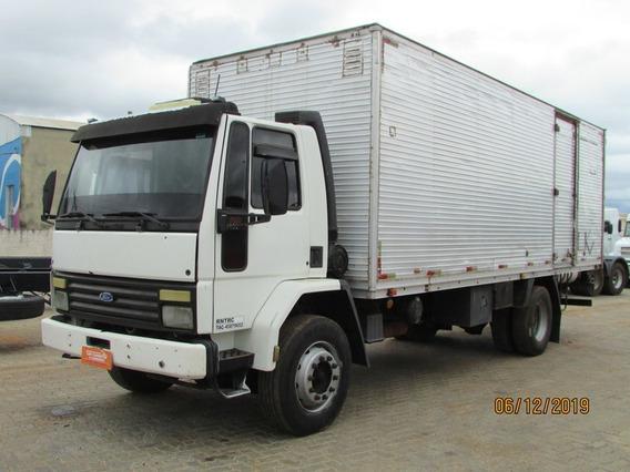 Ford Cargo 1619 Toco 4x2 Baú 7mt