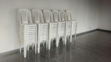Mesas Cadeiras E Utensílios Para Festas
