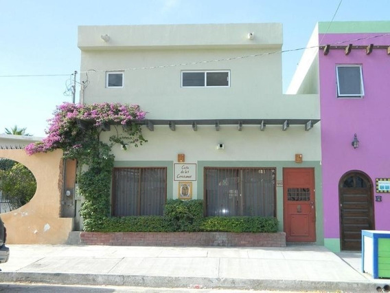 Casa En Venta, Calle Juarez, Colonia Centro. La Paz B. C. S.