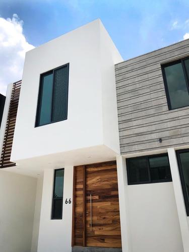 Casa En Venta En Bajio Habitat, En El Bajio, Zapopan