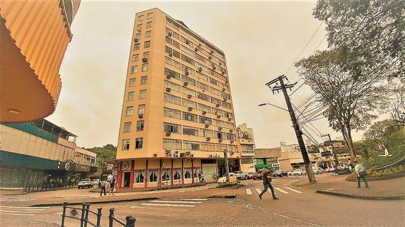 Apartamento Com 02 Dormitórios, Sala De Estar E Jantar, Banheiro Social, Escritório, Copa E Cozinha, Dependência De Empregada (dormitório E Banheiro) E Área De Serviço.apartamento Com 134,52 Privat
