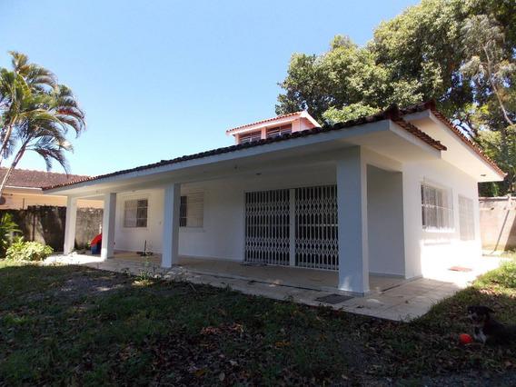 Casa C/ Edícula No Centro A Venda Na Praia De Peruíbe.