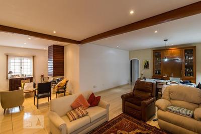 Casa Com 3 Dormitórios E 8 Garagens - Id: 892930010 - 230010