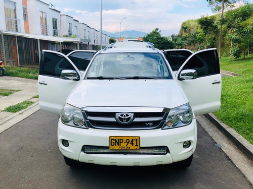 Toyota Fortuner 5rs. 4x4