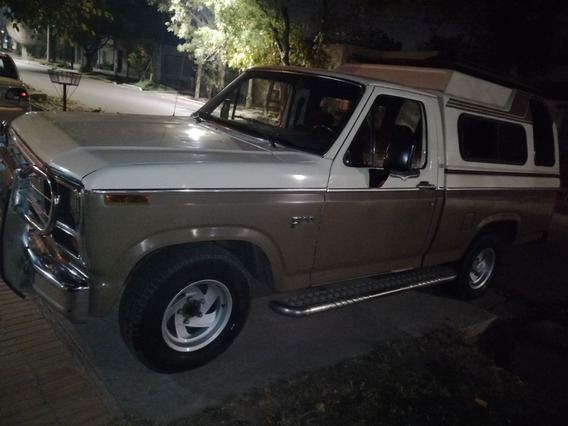 Ford F-100 Motor 221