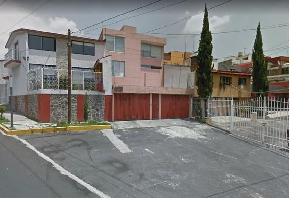 Casa En Venta Con 4 Recamaras, 3 1/2 Baños, Colinas Del Sur