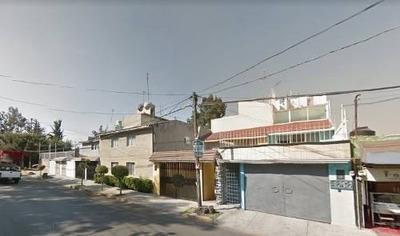 Casa En Venta En San Juan Tepepan,