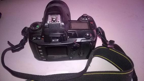 Máquina Fotográfica Digital - Nikon D70 - Usado.