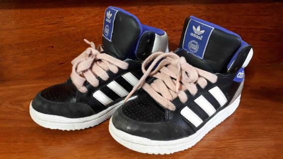 Zapatillas De Nena Talle 30 adidas, Usadas. Súper Cómodas.