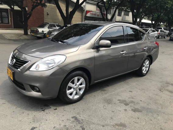 Nissan Versa Advanced 2012