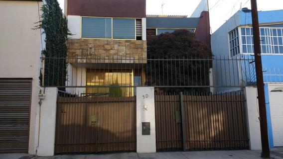Bonita Casa De 5 Recamaras Con Sotano Independiente A Casa