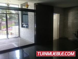 Apartamentos En Venta En Los Palos Grandes 18-7100