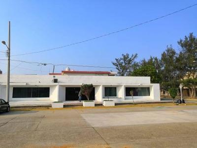 Oficina En Renta Ideal Para Despachos Jurídicos O Contables En Pleno Centro, Coatzacoalcos