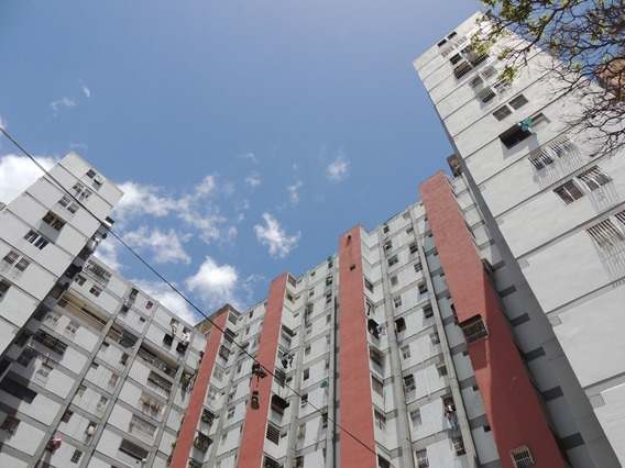 Apartamento En Venta Pinto Salinas Lizmarc
