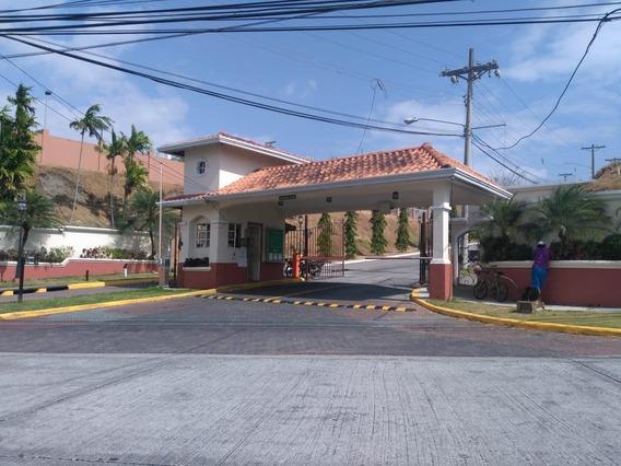Vendo Casa Confortable En Altos De San Rafael, Villa Lucre
