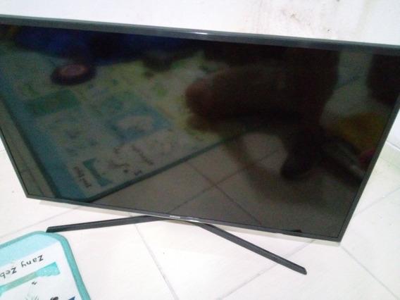 Tv Samsung 40 4k (tela Quebrada) Somente Para Retirar Peças