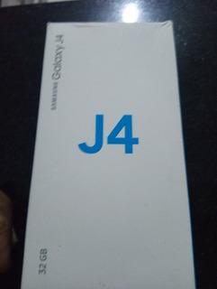 Celular Samsung J4 Sm400 32gb. Prata