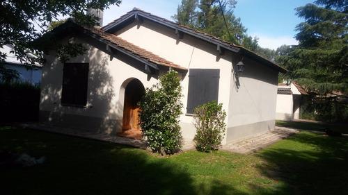 Casa Tipo Quinta En Hermoso Barrio!