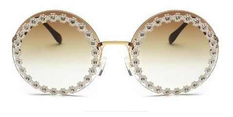 Óculos De Sol Gabriela Marrom Com Haste Dourada E Strass