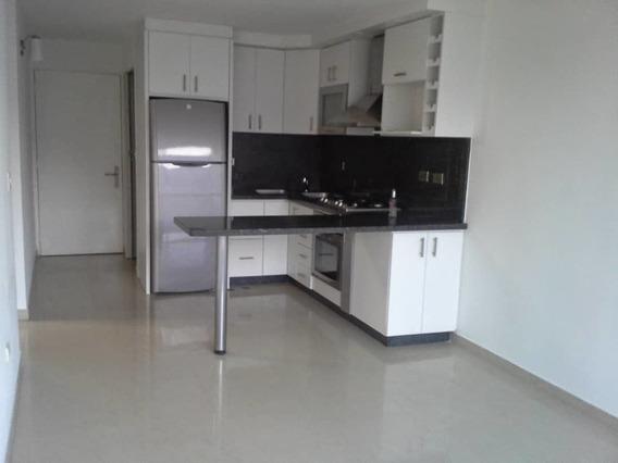 Apartamento En Alquiler Urb.el Encantado Primera Etapa