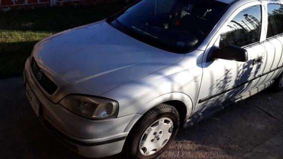 Chevrolet Astra 1.8 Gl 4 Ptas. / Nafta / 2000