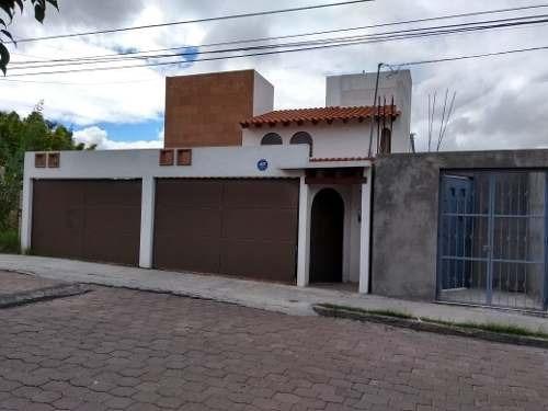 Jm/ Casa Con Hermosa Vista. A Unos Minutos De Bernardo Quintana