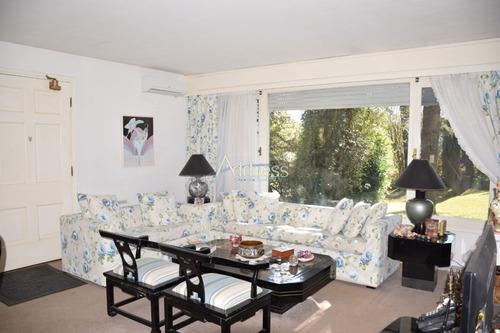 Casa En Country, 4 Dormitorios *- Ref: 3163