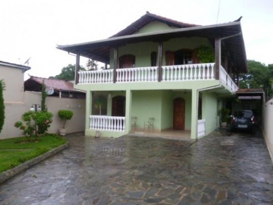 Excelente Casa De Quatro Quartos No Birro Serrano . - 4387