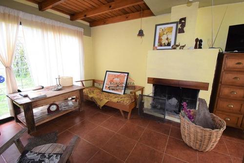 Casa En Mansa, 3 Dormitorios *- Ref: 3899