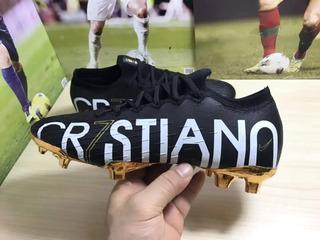 Chuteira Nike Profissional.
