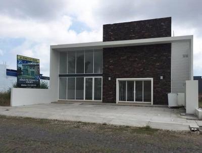 Oficina/consultorio En La Avenida De Los Diamantes, Esmeralda Norte, Colima.