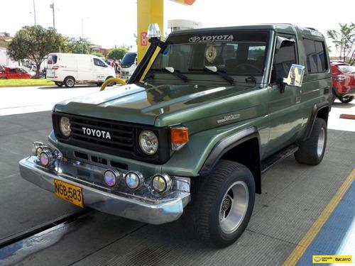 Toyota Land Cruiser Campero Cabinado